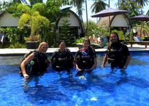 PADI IDC Gili islands with IDC dive resort Oceans 5 dive Gili Air Indonesia