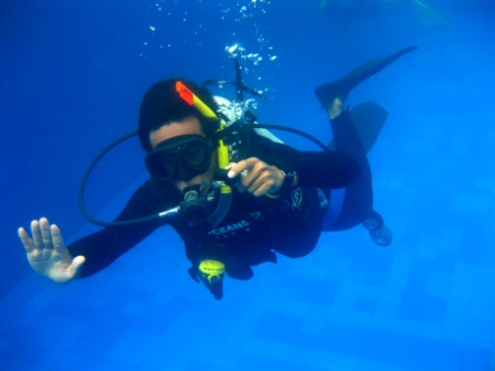 Dive resort Oceans 5 starts every month a PADI IDC Gili Islands course